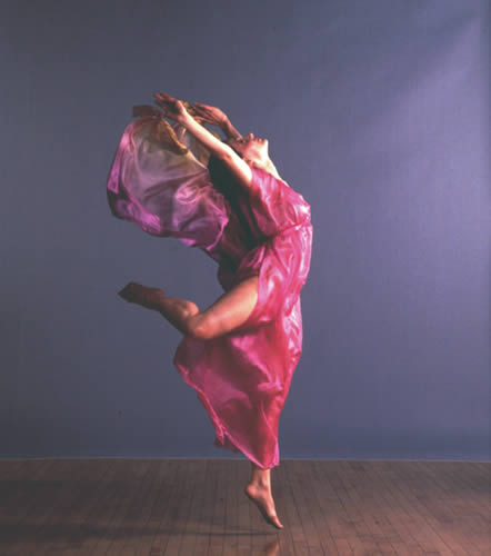 isadora duncans new dance Isadora duncan dance troupe evokes gilded age in benefit concert at mills mansion isadora duncan & the age of abundance will take to the grounds of the beaux arts mills mansion at the.
